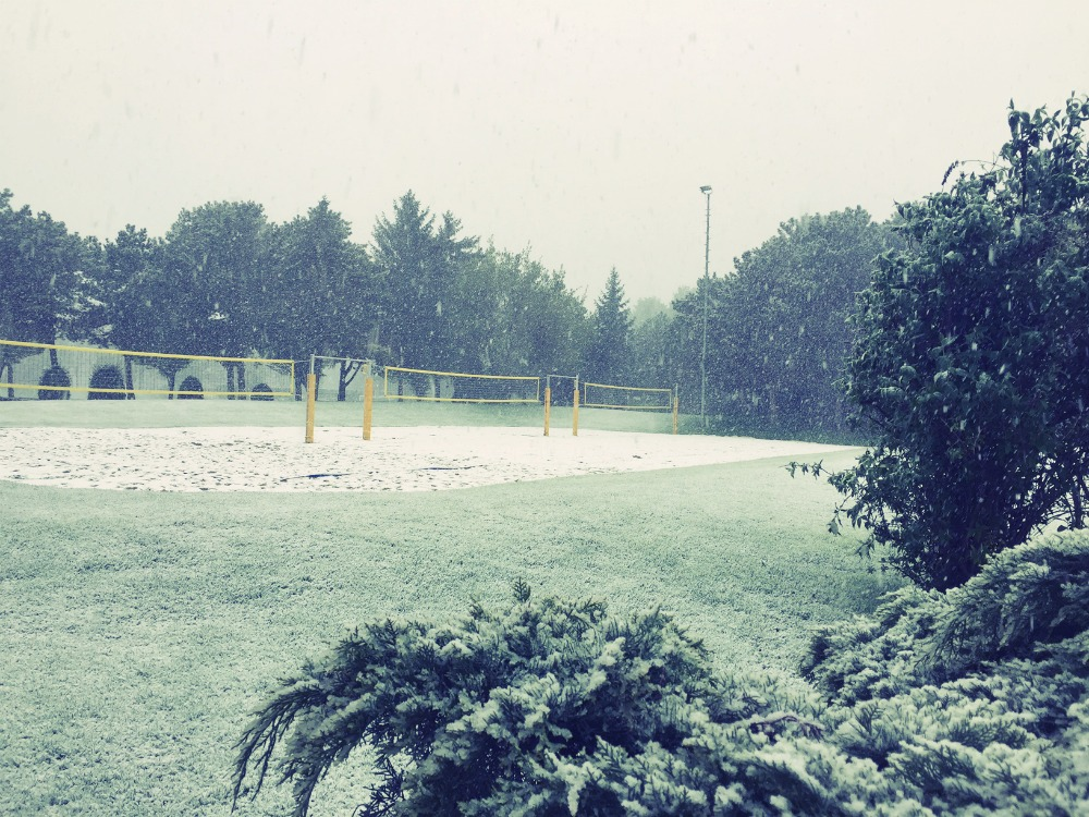 Winter im Sportcenter im April