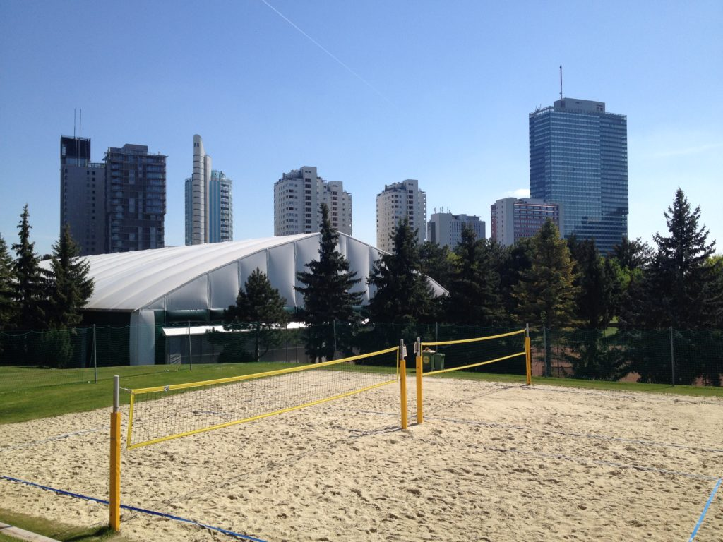 Beachvolleyball im Sportcenter Donaucity